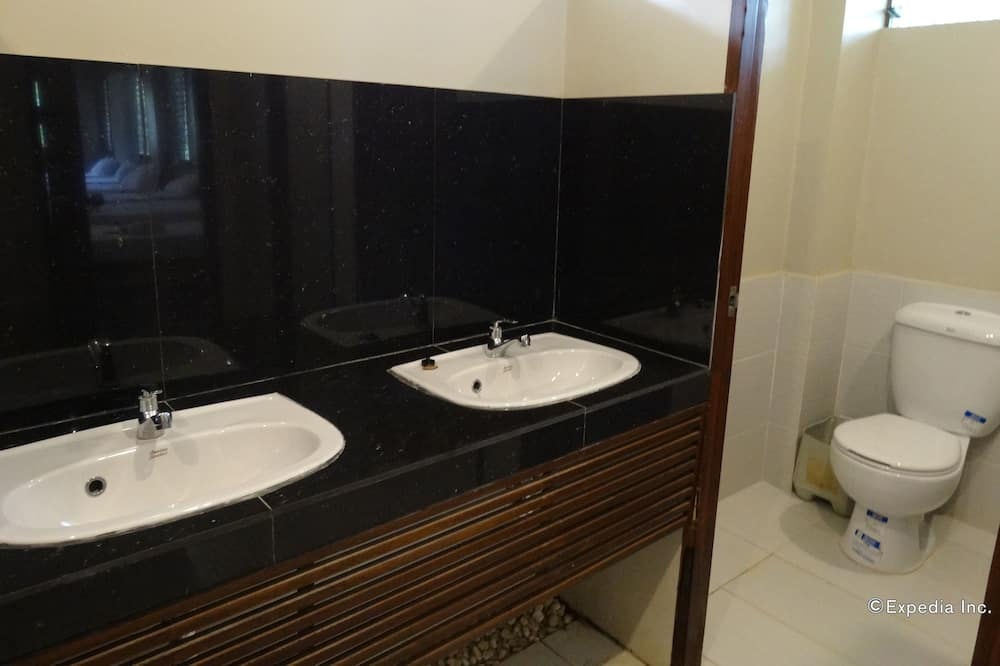 Economy Shared Dormitory, 1 Twin Bed, Garden View - Bathroom