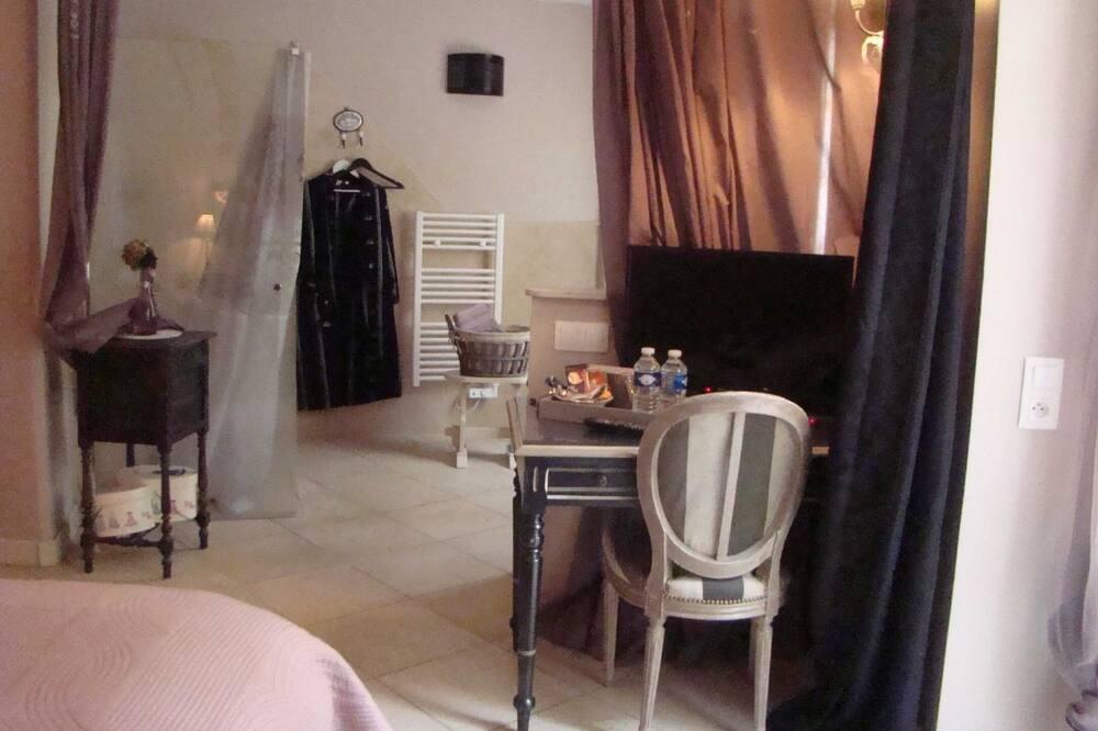 Comfort szoba kétszemélyes ággyal, mozgássérültek számára is hozzáférhető, fürdőszobával - Nappali