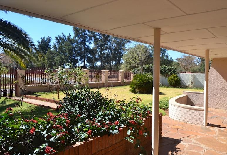 Hadida Guest House, Kimberley, Jardin