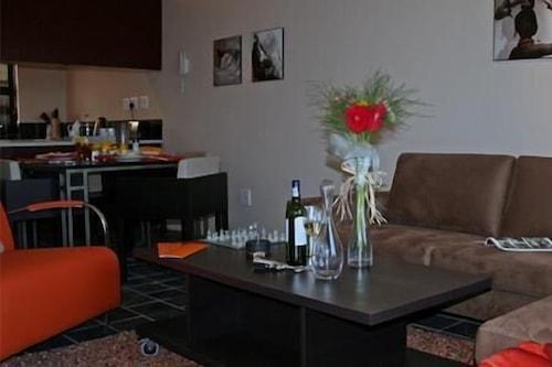 艾拉德米德蘭住宿行政公寓酒店/