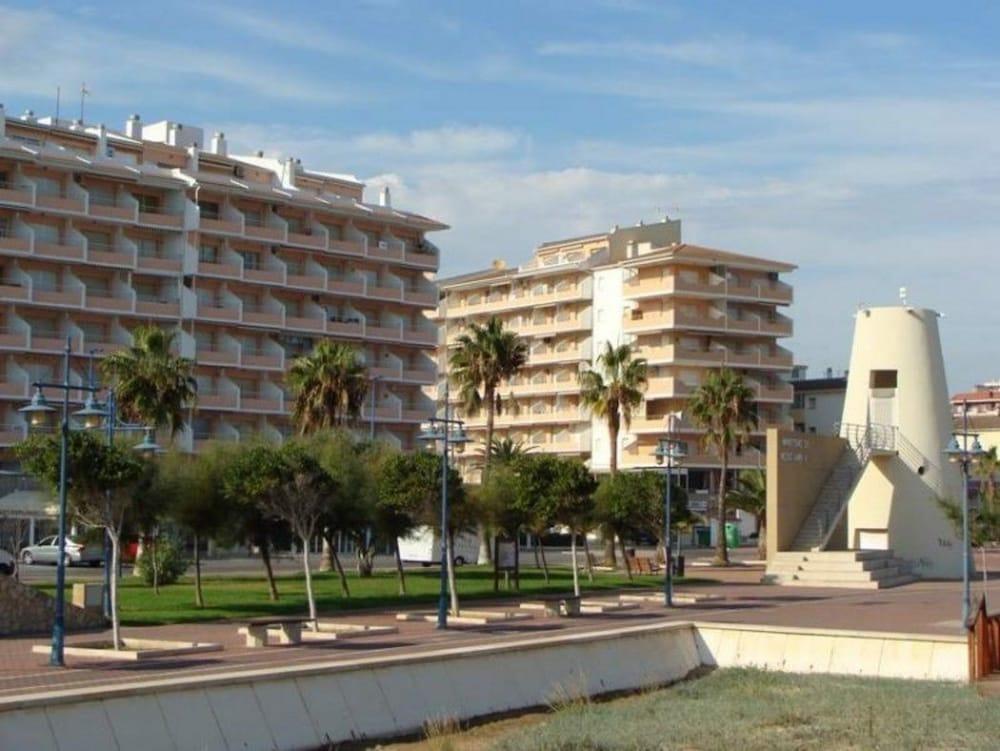 Alpen1 apartamentos pe ismar i pe scola espa a Hoteles en madrid espana