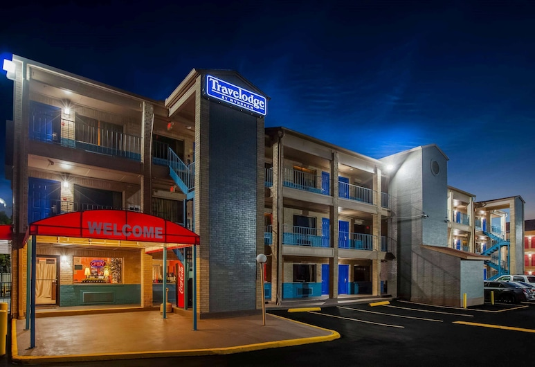 Travelodge by Wyndham Houston Hobby Airport, יוסטון