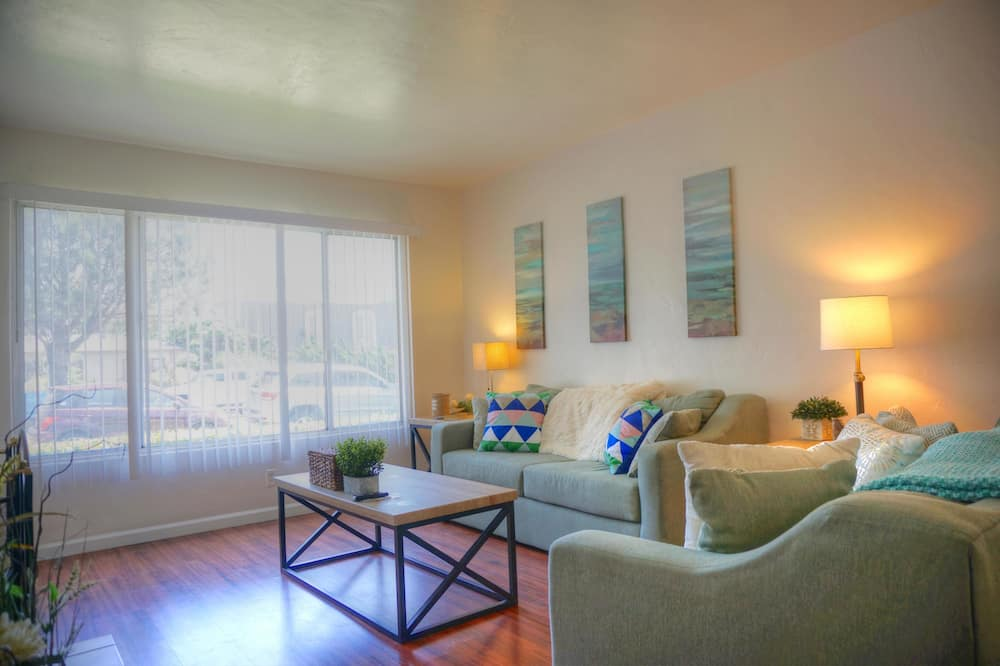 Apartment, 3 Bedrooms, View - Living Area