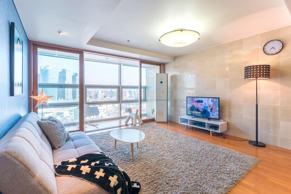 Predsjednički apartman, Više kreveta, 2 kupaonice, pogled na grad - Dnevni boravak
