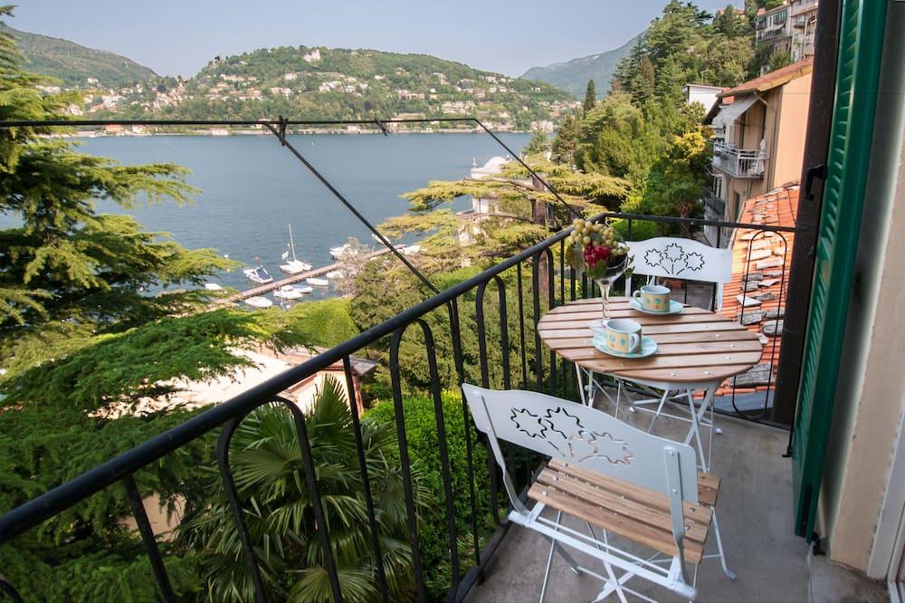 Dzīvokļnumurs, divas guļamistabas, skats uz ezeru - Balkons
