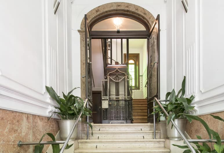 Guesthouse CharmInn, Lisbon, Tangga