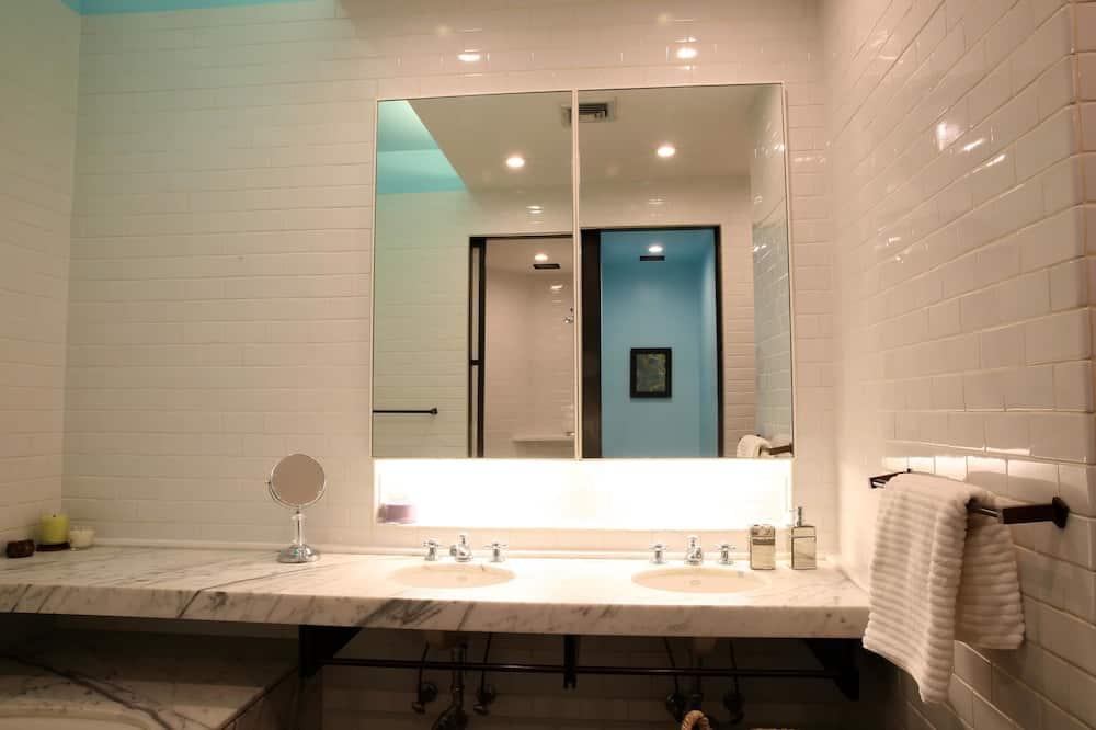 อพาร์ทเมนท์, 3 ห้องนอน, เห็นวิว - ห้องน้ำ