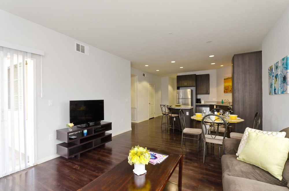LA006 3 Bedroom Apartment By Senstay, Los Angeles, Apartment, 3 Bedrooms,  View