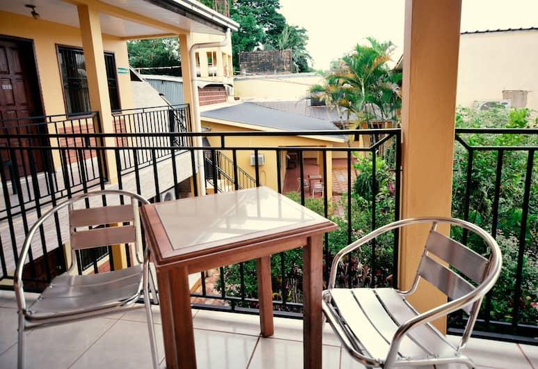 Hotel Lilian, Puerto Iguazú, Terras