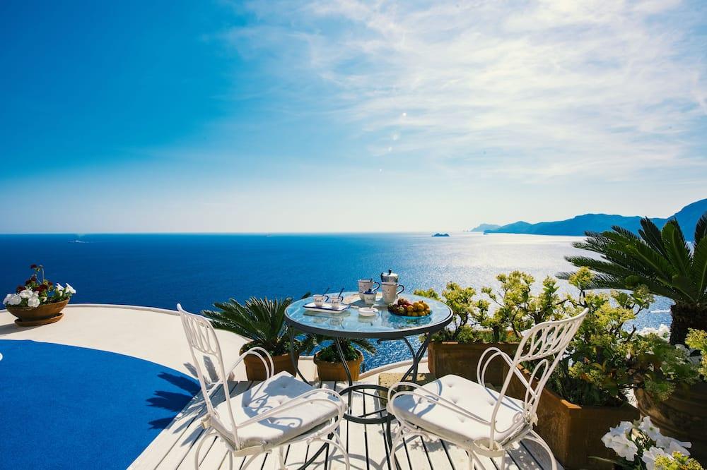Estudio panorámico, 1 cama doble, cocina básica, vistas al mar - Terraza o patio