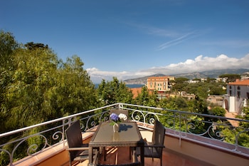 Picture of Al Centro Suites in Sorrento