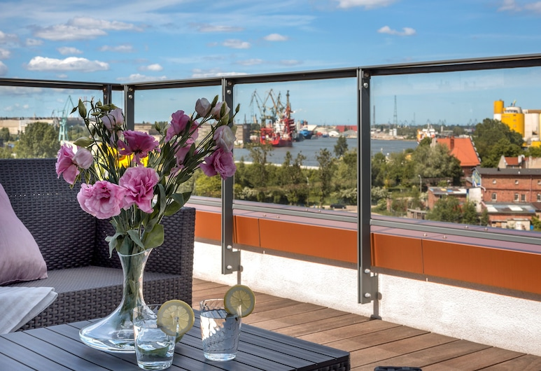 Old Town - River Point by Welcome Apartment, Gdansk, Penthouse, 2 Bedrooms, Terrace, River View (429), Terrace/Patio