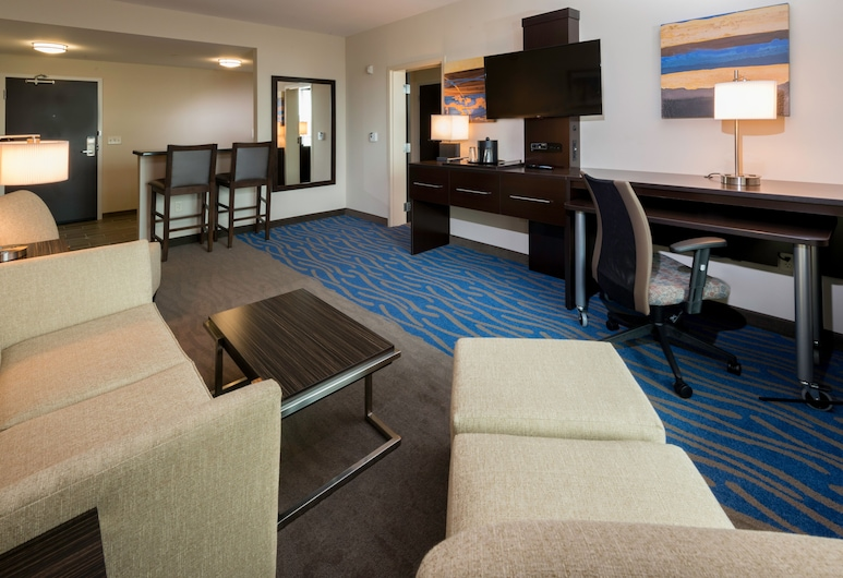 Holiday Inn Paducah Riverfront, Paducah, Suite, 1 King Bed, Non Smoking, Guest Room