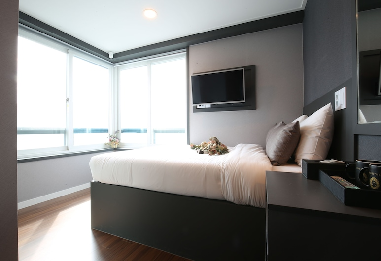 Philstay Myeongdong, Seoul, Double Room, City View, Guest Room