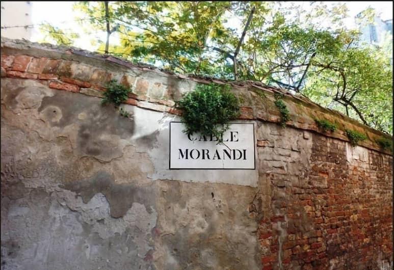 Ca' Morandi, Venezia, Esterni
