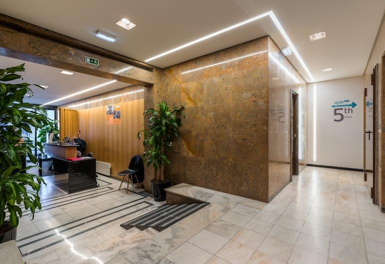 Hotel Spot Family Suites, Oporto, Recepción