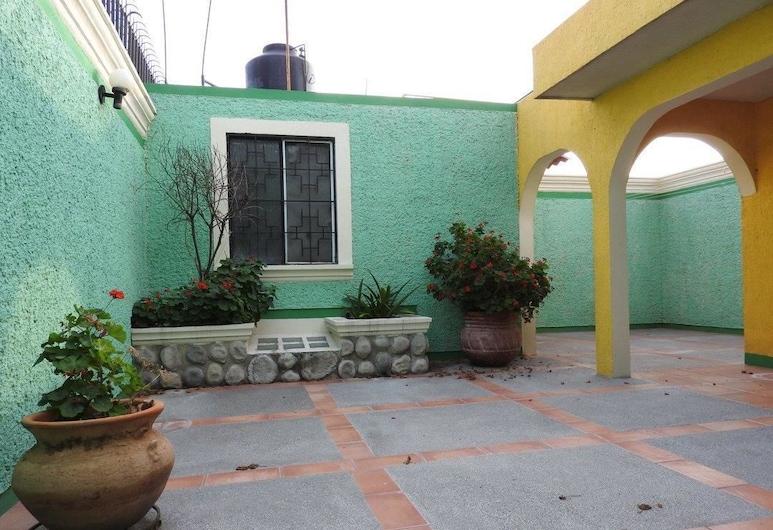 Hostal San Jemo León, Leon, Terrace/Patio