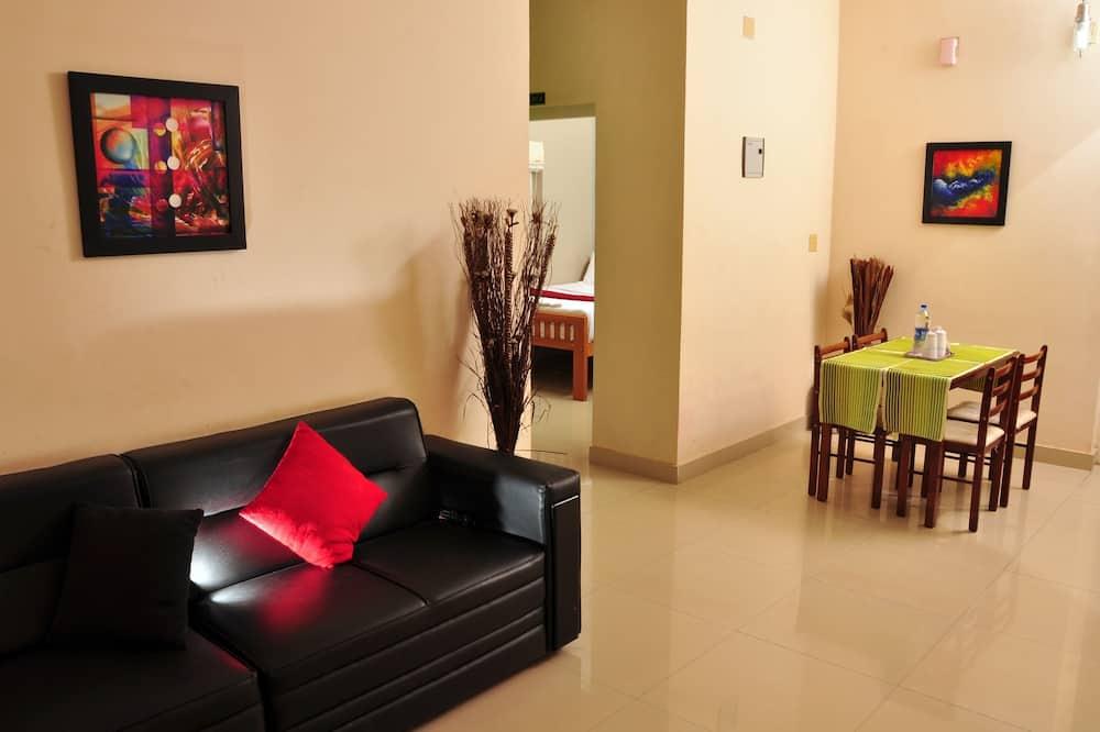 Studio, Ensuite - Living Area