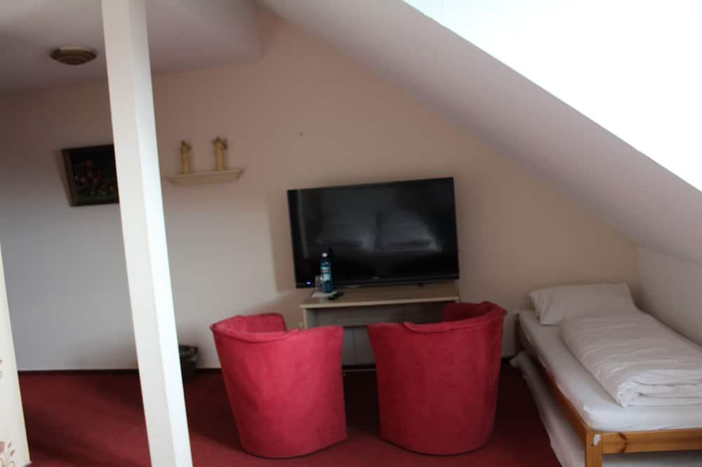 Family Δωμάτιο, Μπανιέρα με Υδρομασάζ - Περιοχή καθιστικού
