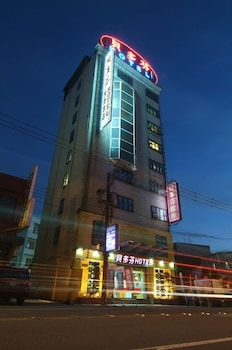 Picture of Beethoven Express Hotel in Jungli