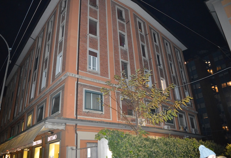 B&B Bentivogli, Bologna, Hotel Front – Evening/Night