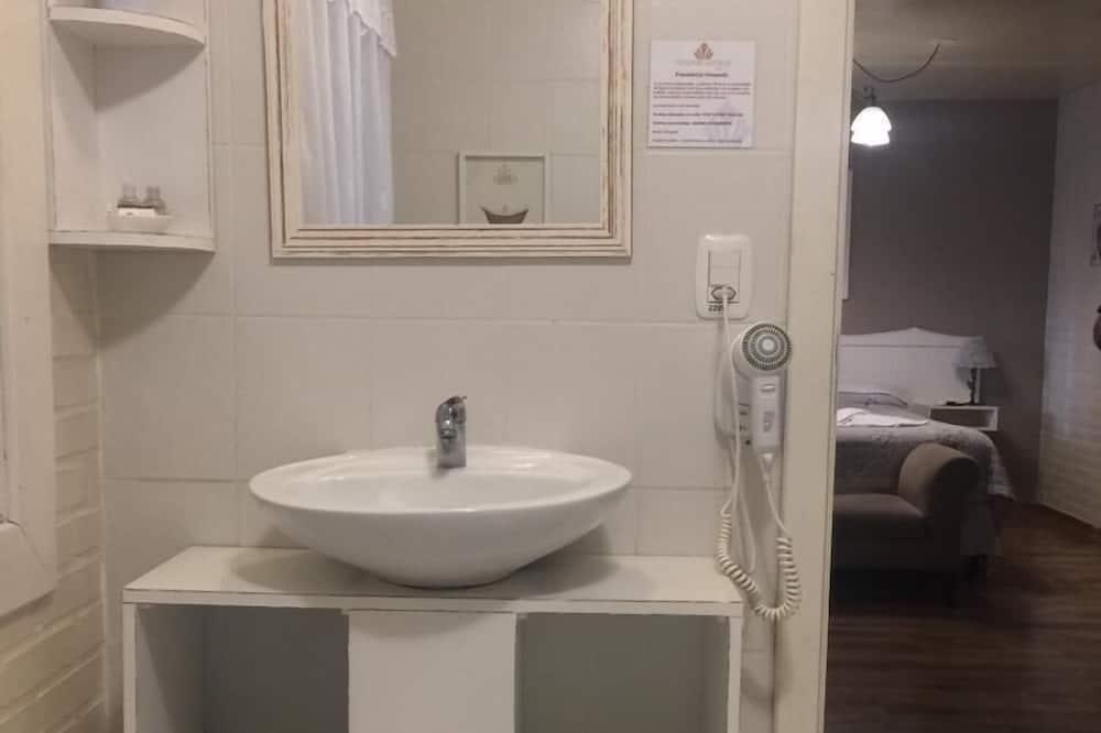 Suite, Fireplace - Bilik mandi