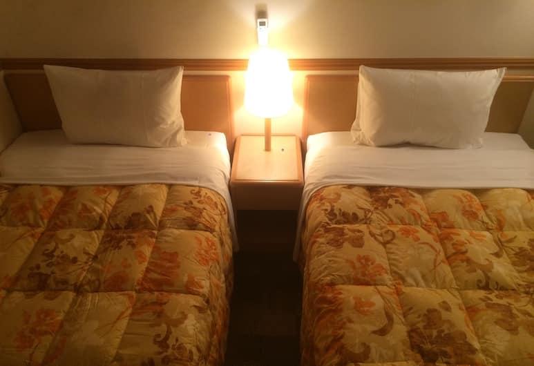 Toyoko Inn Tokyo Ikebukuro Kita-guchi No.1, Tokyo, Twin Room, 2 Bedrooms, Smoking, Guest Room