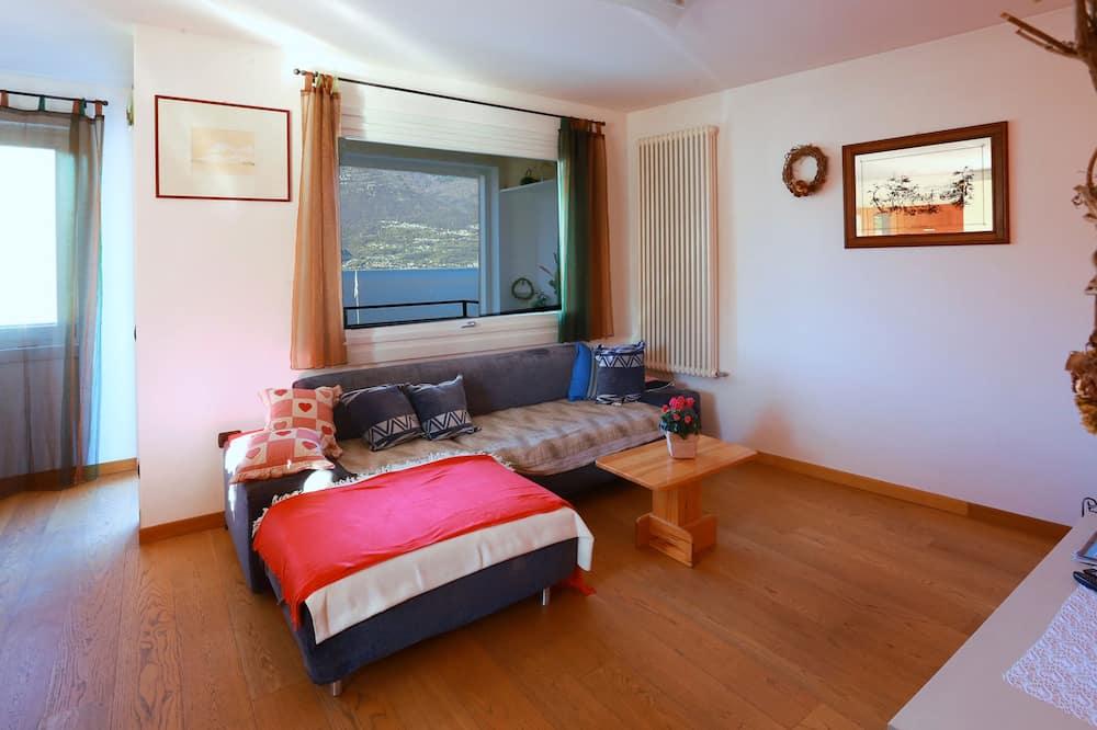 Apartman, 5 spavaćih soba, 2 kupaonice, pogled na jezero - Dnevna soba