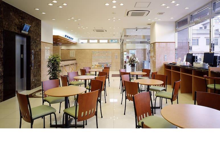 東京池袋北口 2 號東橫 INN, 東京, 大廳休息區