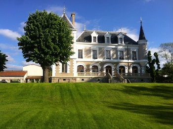 Gambar Hôtel Restaurant Eclosion di Saint-Paul en Jarez