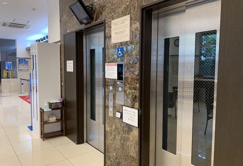 東横INN大阪伊丹空港, 豊中市, エレベーター