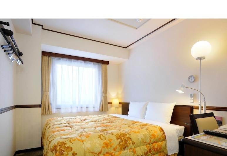 Toyoko Inn Tokyo Haneda Kuko No.1, Tokyo, Standard Double Room, Non Smoking, Guest Room