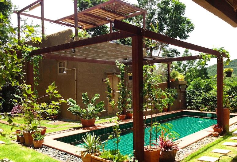 普蘭貝利大地飯店, 攀武里, 室外游泳池