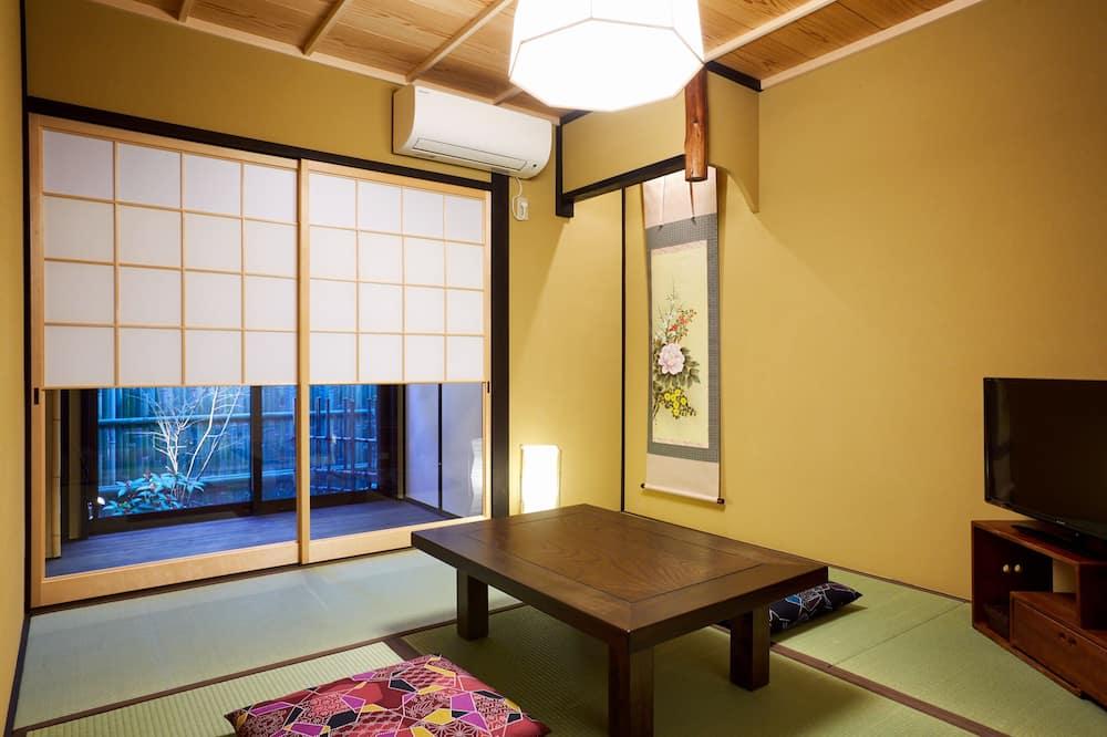 Traditional-Stadtwohnung (Japanese Style) - Wohnbereich