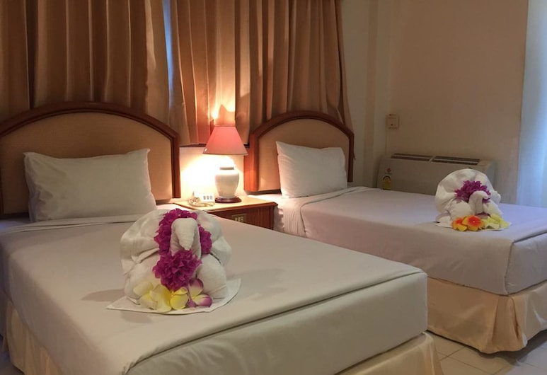Smile Inn Patong, Patong, Deluxe Twin Room, Guest Room