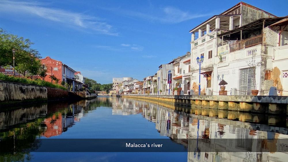 ZEN Rooms Near Plaza Mahkota Malacca Aerial View