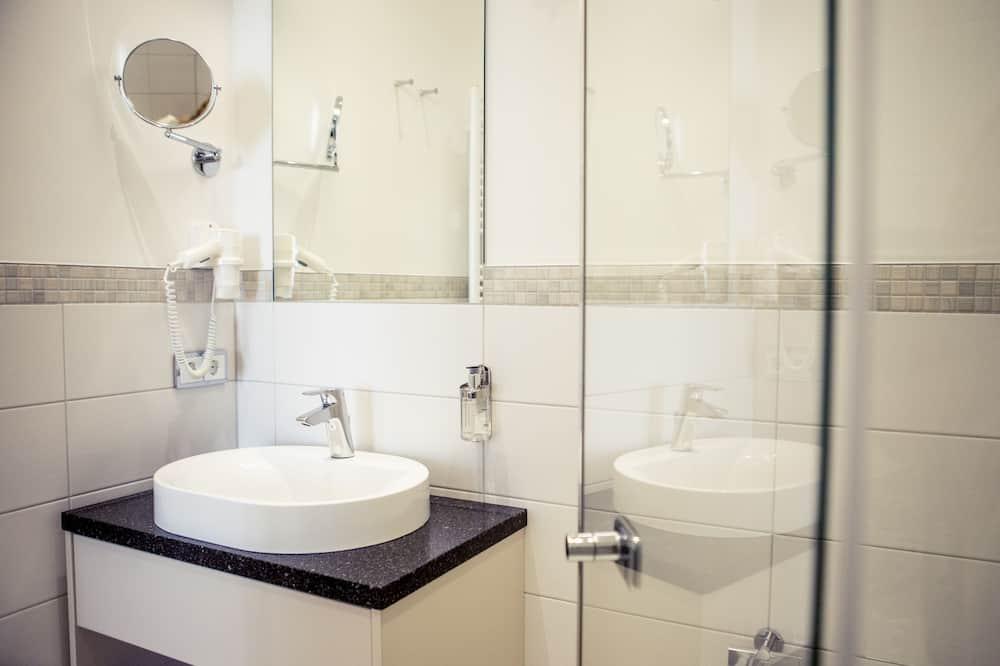 Deluxe Double Room, Non Smoking, Balcony - Bathroom