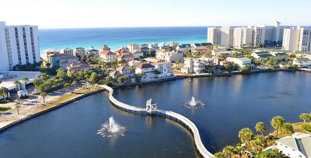 Destin Florida Hotels On The Beach With Balcony