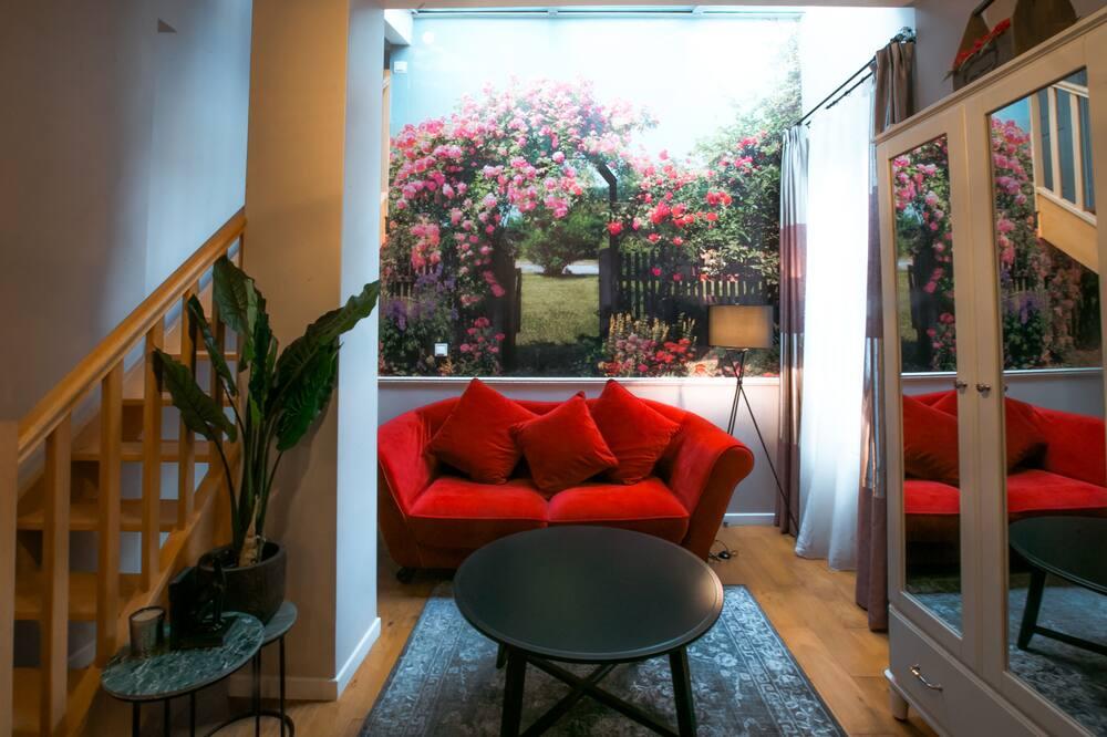 Paaugstināta komforta divstāvu numurs, viena guļamistaba - Dzīvojamā istaba