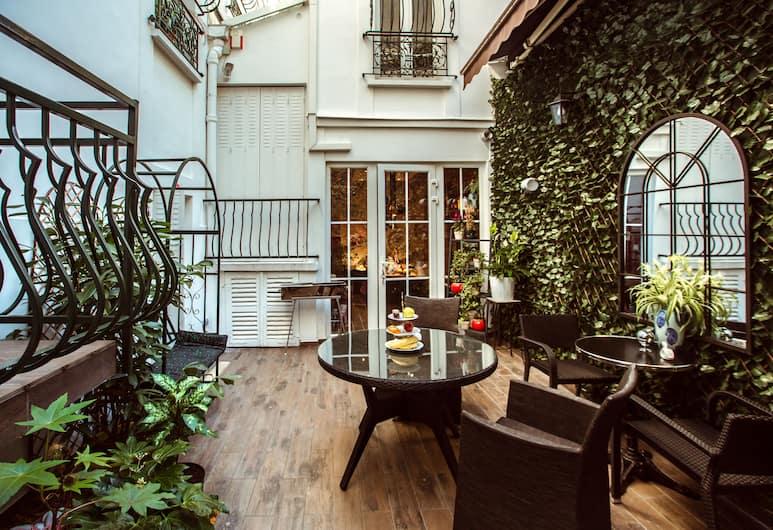 La Maison Gobert, Paris, Trädgård