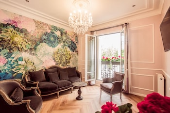 Book this Bed and Breakfast Hotel in Paris