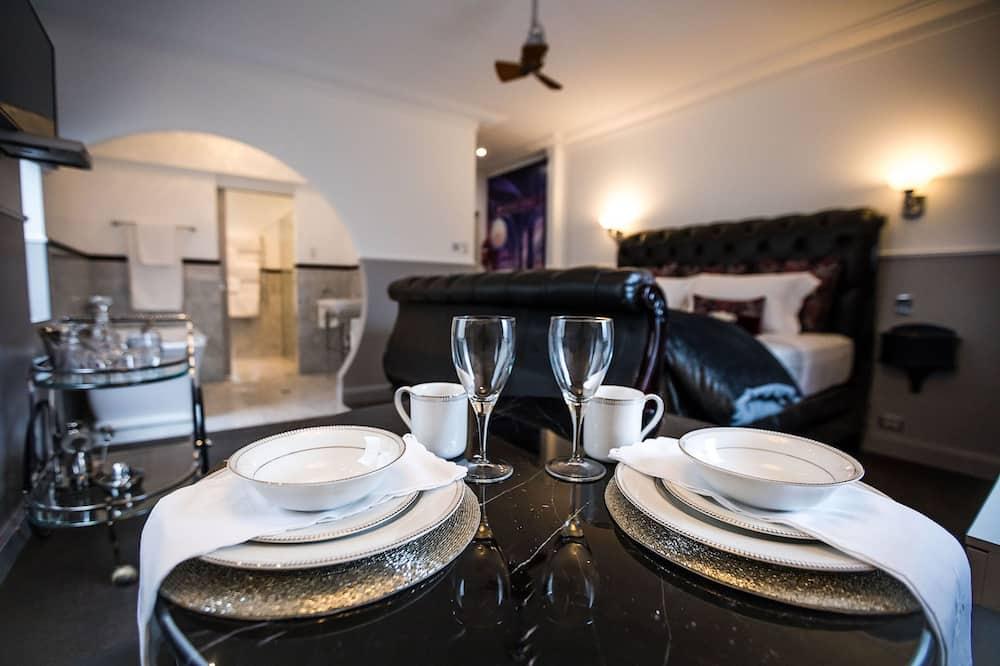 奢華開放式套房 - 客房內用餐