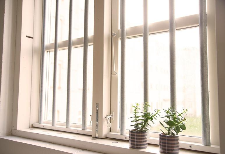 SleepIn FÆNGSLET, Horsens, Habitación con 2 camas individuales, baño compartido, Vista de la habitación