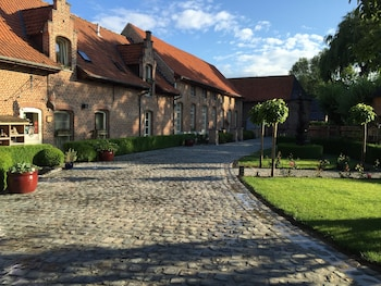 Choose This Luxury Hotel in Poperinge