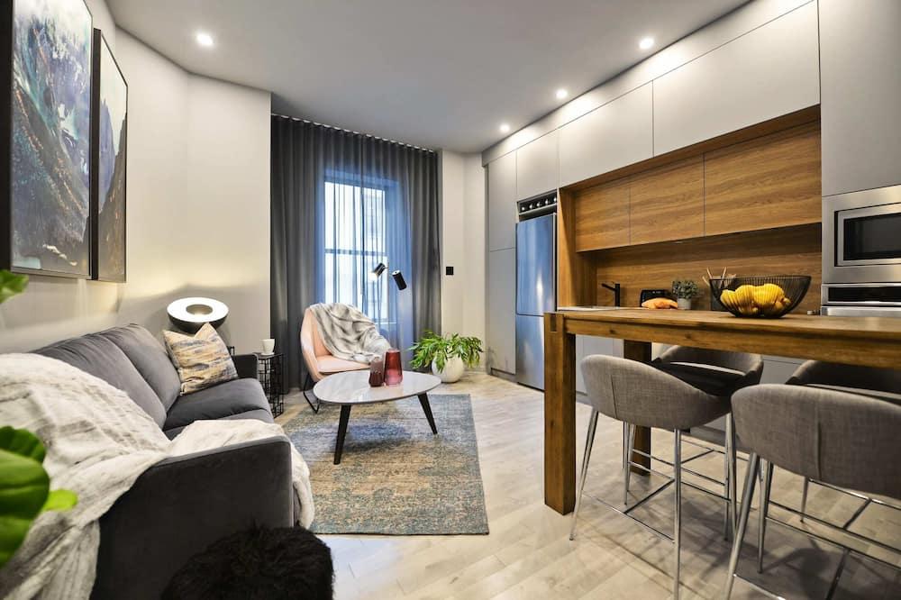 아파트, 침실 2개 (906) - 거실