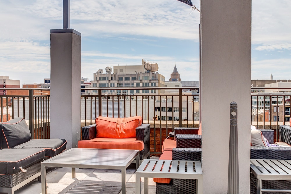 Heaven On Baltimore Harborfront Fully Furnished Apartments, Baltimore,  Terrace/Patio