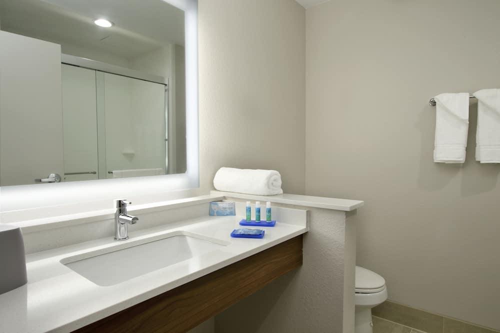 ห้องพัก, เตียงคิงไซส์ 1 เตียง, พร้อมสิ่งอำนวยความสะดวกสำหรับผู้พิการ (Comm, Mobil Roll Shwr) - ห้องน้ำ