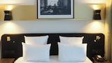 Hotel , Saint-Ouen