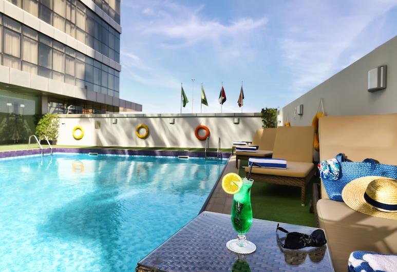 Royal Continental Hotel – Dubai Airport, Dubai, Piscina