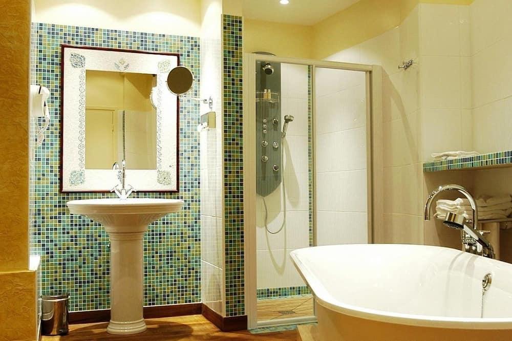 Kamar (Living Area) - Kamar mandi